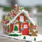 Χριστουγεννιάτικο σπιτάκι από μπισκότο