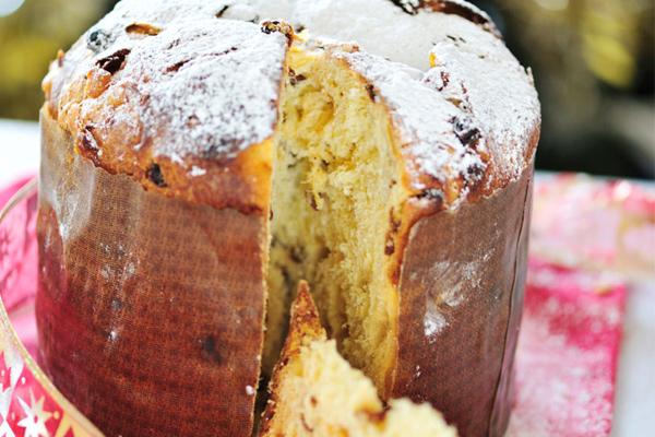 Πανετόνε (γλυκό ψωμί)