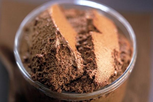 Μους σοκολάτας με καφέ