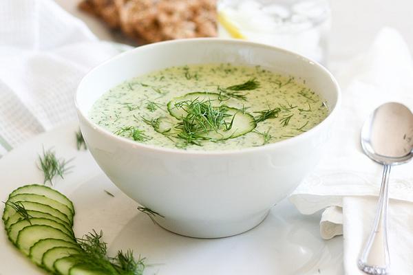 Κρύα σούπα με αγγούρι και γιαούρτι