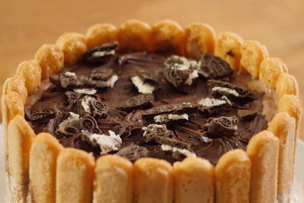 τούρτα παγωτό σοκολάτα και μπισκότο Συνταγή