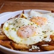 Πατάτες με αυγά στο τηγάνι