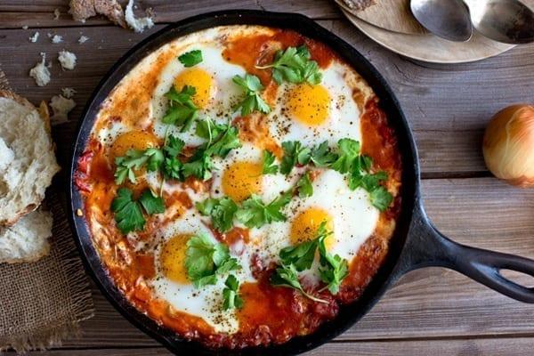 αυγά με ντομάτα