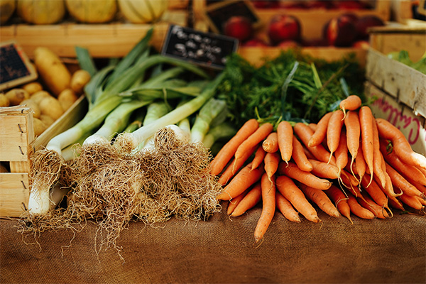 Μάρτιος: φρέσκα φρούτα και λαχανικά