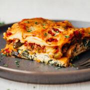 Λαζάνια με λαχανικά και κρέμα τυριού