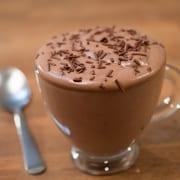 Μους σοκολάτας με 2 υλικά