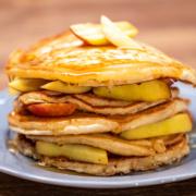 Pancakes με μέλι και νεκταρίνια