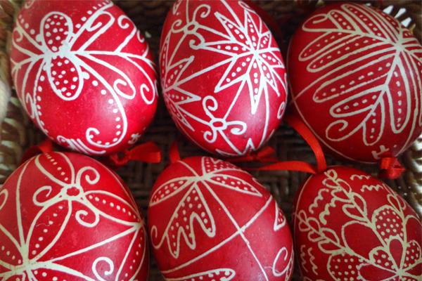 Πασχαλινά αυγά και ιδέες για βάψιμο