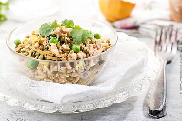 Σολομός, φακές και ρύζι