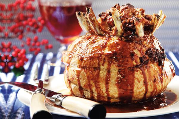 Κορόνα γεμιστή με σάλτσα μήλου