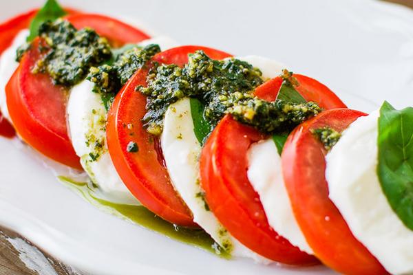 Σαλάτα Caprese Συνταγή