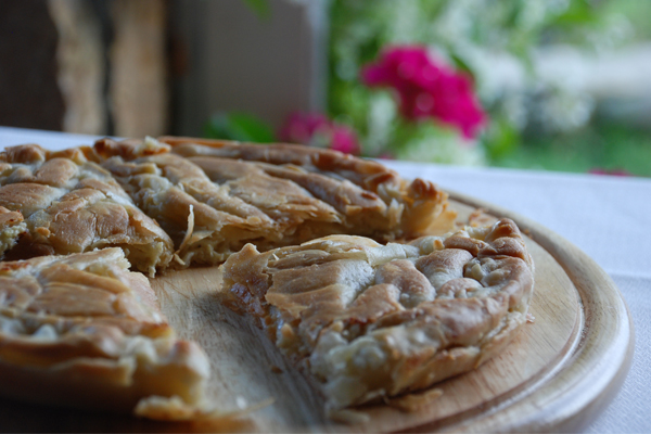 Τυρόπιτα με κρέμα ελληνικών τυριών